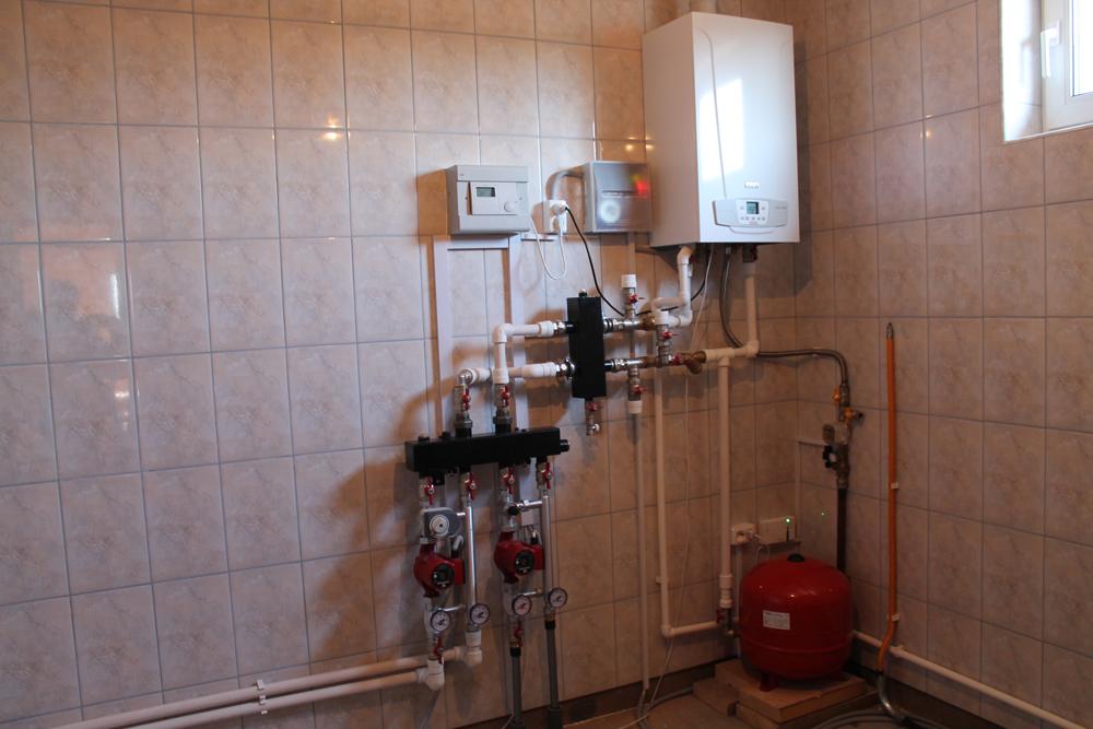 Установка газового котла бакси в частном доме своими руками